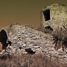Tour en ruine by Bruno Gueroult - Nature Up Close Rock & Stone ( corse, pierre, ruine, tour, bonifacio,  )