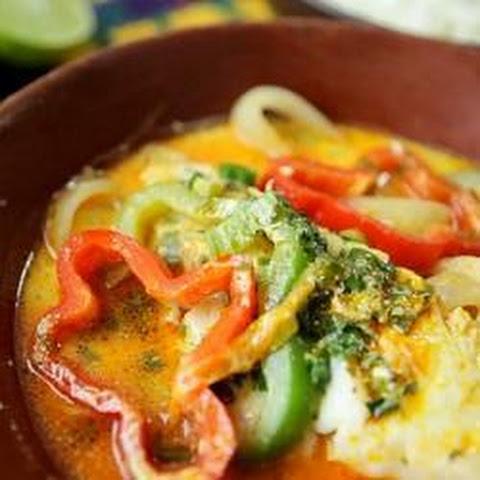 Moqueca de peixe baiana (Brazilian fish stew)