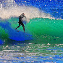 by Kevin Callahan - Sports & Fitness Surfing