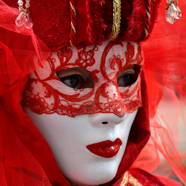 Lady in red II by Bruno Brunetti - People Musicians & Entertainers ( carnival, venice, lady, red mask, italy )