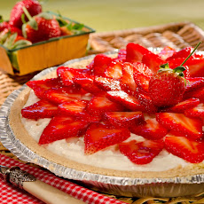 Strawberry Cheesecake Ice Cream Pie