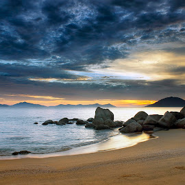 clouds that rolled by Dany Fachry - Landscapes Cloud Formations ( indonesia, cloud, beach, seascape, westborneo )