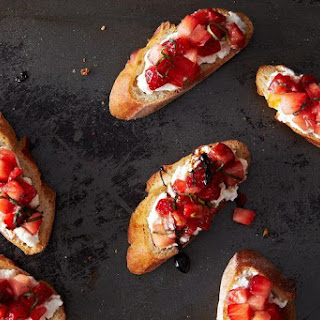 Not-Too-Sweet Tomato Strawberry Bruschetta
