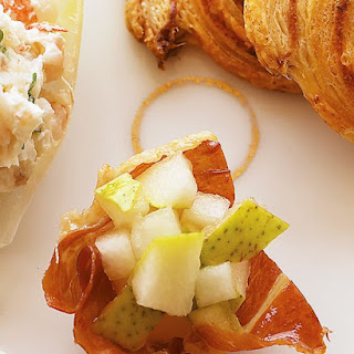Crispy Prosciutto Cups with Pear