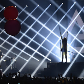 Thirty Seconds to Mars by Marcel Cintalan - People Musicians & Entertainers ( music, concert, 30 stm, prague, entertainment )