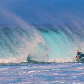 by Kathy Suttles - Sports & Fitness Surfing