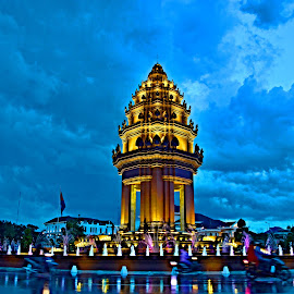 Independent Monument, Cambodia by Chenda Hut - Buildings & Architecture Statues & Monuments
