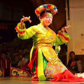 Betawi Dance... by Dwi Ratna Miranti - News & Events Entertainment