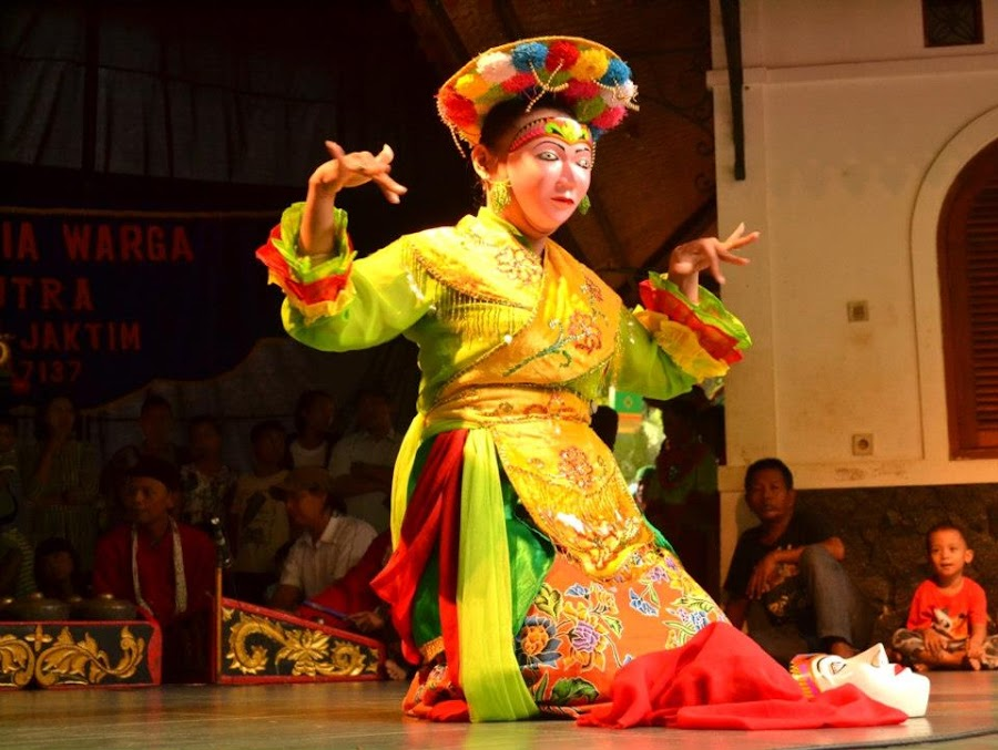 Betawi Dance... by Dwi Ratna Miranti - News & Events Entertainment