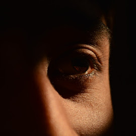 coming to the light by Pritam Joardar - People Body Parts ( raw, body parts, candid, close up, eye )