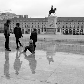 Rain skaters! by José Borges - Black & White Street & Candid (  )