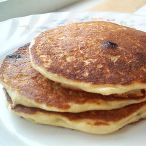 Oatmeal Pancakes with Blueberry Glaze Recept | Yummly