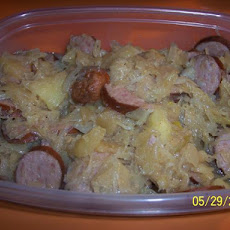Crock Pot Apple and Sauerkraut Kielbasa (Low Fat)