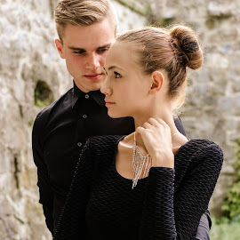 Milán & Zsófi by Máté Csöbönyei - People Fashion ( fashion, giirl, styling, man, black )