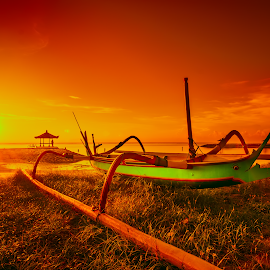 Warming boat by Yossy Ryananta - Transportation Boats ( warm, boats, warmth, sunrise, beach )