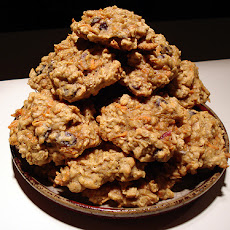 Holiday Oatmeal Cookies With Dried Fruit and Nuts