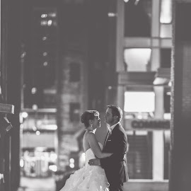 by Rob Giannese - Wedding Bride & Groom