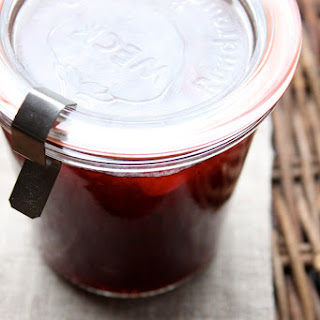 Cranberry Sauce with Vanilla and White Port