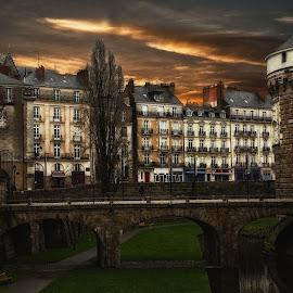 Chateau des Ducs à Nantes (France) by Paul Chamberland - Buildings & Architecture Office Buildings & Hotels