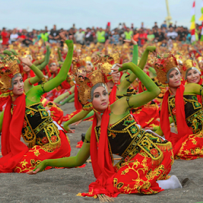 Gandrung Sewu Banyuwangi  by Agoes Santoso - News & Events Entertainment
