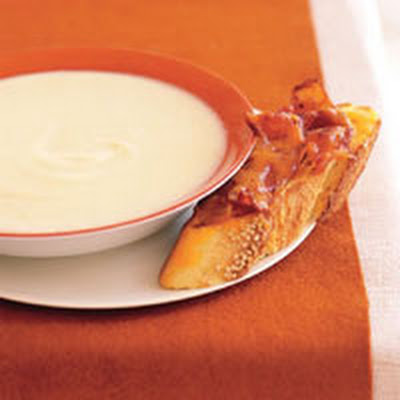 Cauliflower Soup with Bacon Toasts