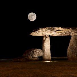 Moon by Carlos Gonçalves - City,  Street & Park  Night ( luna, lune, moon, park, lua )