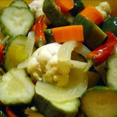 Quick Spicy Garden Mix Pickles (Refrigerator Method)