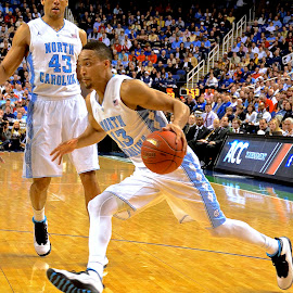 Driving to the Basket by Tyrell Heaton - Sports & Fitness Basketball ( basketball, unc, acc tournament, tarheels, pitt )