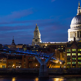 Millennium Bridge to St Paul's by Vic Casambros - City,  Street & Park  Skylines ( thames, london, night, cathedral, bridge, river, city,  )