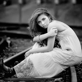 by Rio Soeparlan - FotoHobby - Black & White Portraits & People