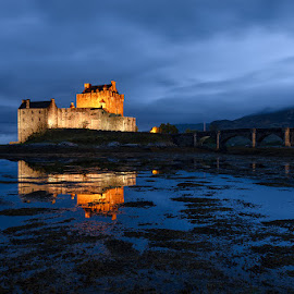 Eilean Donan Castle by Simone Angelucci - Buildings & Architecture Public & Historical