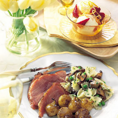 Balsamic- and Dijon-Glazed Ham with Roasted Pearl Onions