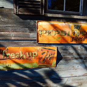 Old Pepsi and 7up signs by TONY LOPEZ - Artistic Objects Signs ( old, 7up, american, rusty, pepsi, classic,  )