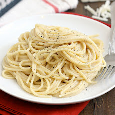 Spahgetti with Pecorino Romano and Black Pepper (Cacio e Pepe)