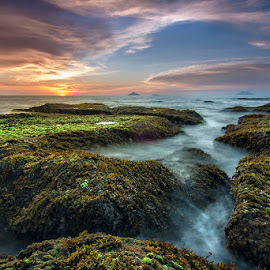 Crack by Dikky Oesin - Landscapes Sunsets & Sunrises ( clouds, water, sea, rock, landscapes )