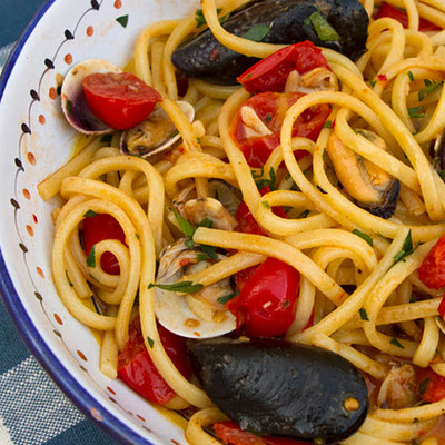 Spaghetti with Clams, Mussels, and Tomatoes