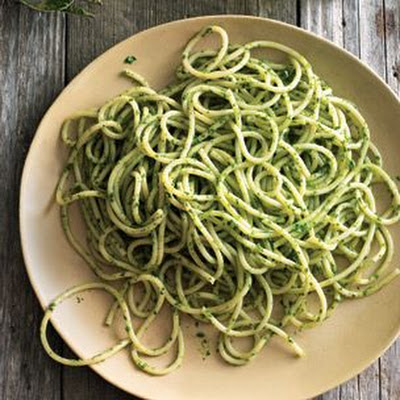 Spaghetti with Arugula-Mint Pesto