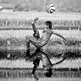 by DODY KUSUMA  - Black & White Sports