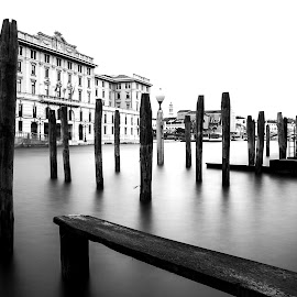 Empty Docks in Grand Canal Venice by Banar Fil Ardhi - Landscapes Travel ( holiday, venezia, vacation, italia, grand canal, venice, travel, docks, canal, italy )