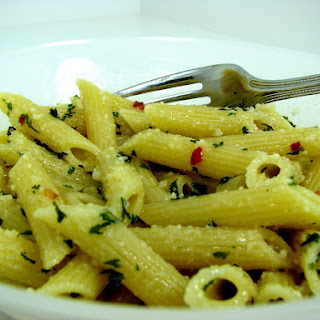 Penne with Olive Oil, Garlic and Crushed Red Pepper Sauce
