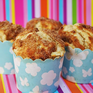High-top Apple Cinnamon Muffins