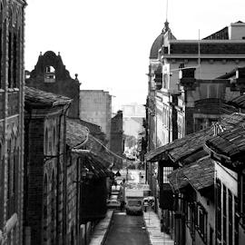by Ana Cárdenas O - City,  Street & Park  Street Scenes ( houses, scenes, black and white, street, buildings, city, Urban, City, Lifestyle )