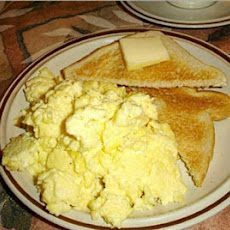 Rich Scrambled Eggs-For Those Not Afraid of Fat Content