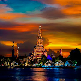 Temple of Dawn, Wat Arun by Simon Tidd - Buildings & Architecture Places of Worship ( bangkok, arun, temple, dawn, thailand, thai, wat )