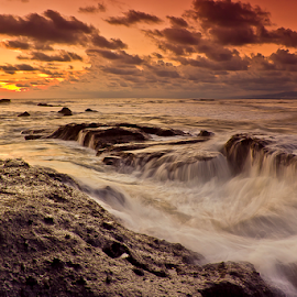 Rough Waves by Choky Ochtavian Watulingas - Landscapes Underwater ( clouds, canon, choky sinam, waterscape, sunset, seascapes, waves, caves, beach, rocks )
