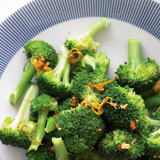 Steamed Broccoli with Garlic Oil