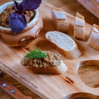White Bean & Sun Dried Tomato Pate