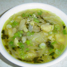 Canh Bun Tau (Fish and Cellophane Noodle Soup)