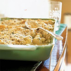 Creamed Cauliflower with Herbed Crumb Topping