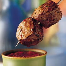 Beef Sirloin Kabobs with Roasted Red Pepper Dipping Sauce